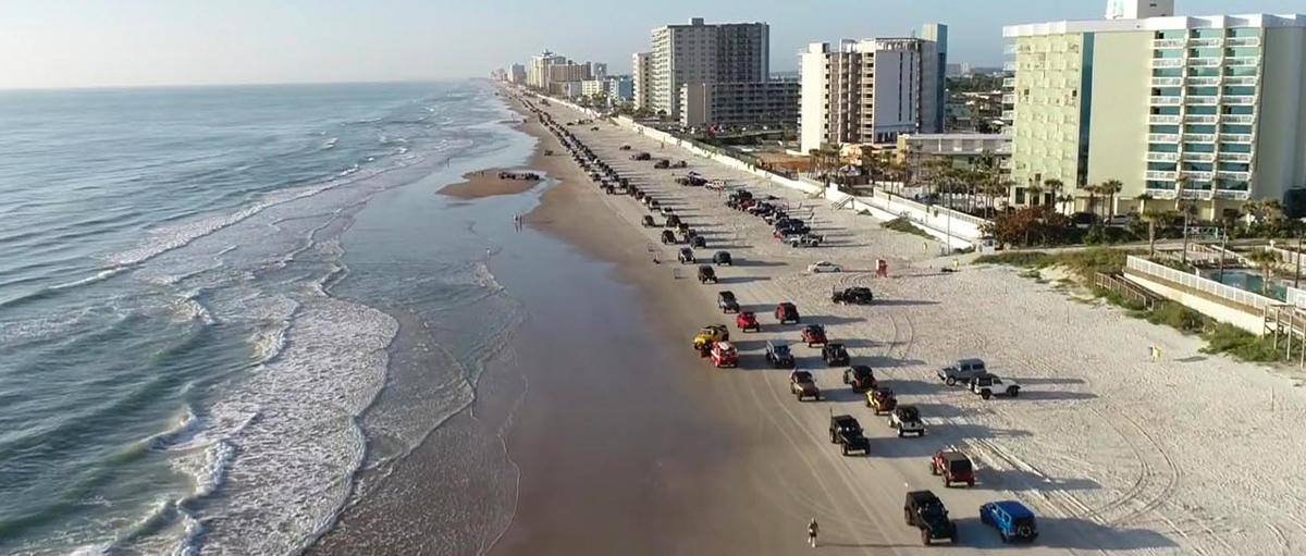Jeep Beach Image
