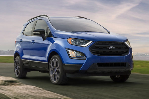 2020 Ford EcoSport SES in Lightning Blue on mountain road