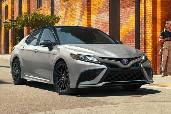 2021 Toyota XSE Hybrid shown in Celestial Silver Metallic