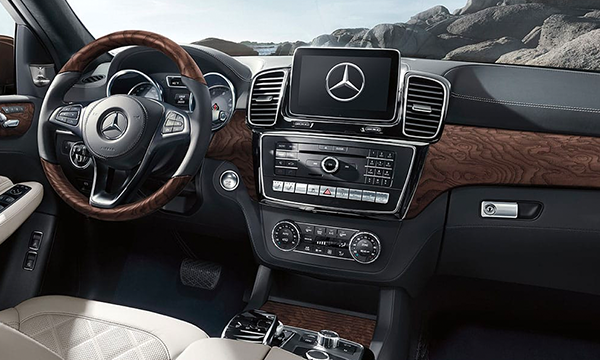 2019 Mercedes-Benz GLS Lease near Council Bluffs, IA - Interior