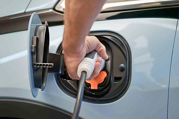 Bolt EV Exterior Photo: Charging