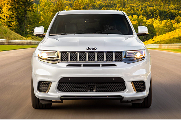 Front exterior view of a 2020 Jeep Grand Cherokee